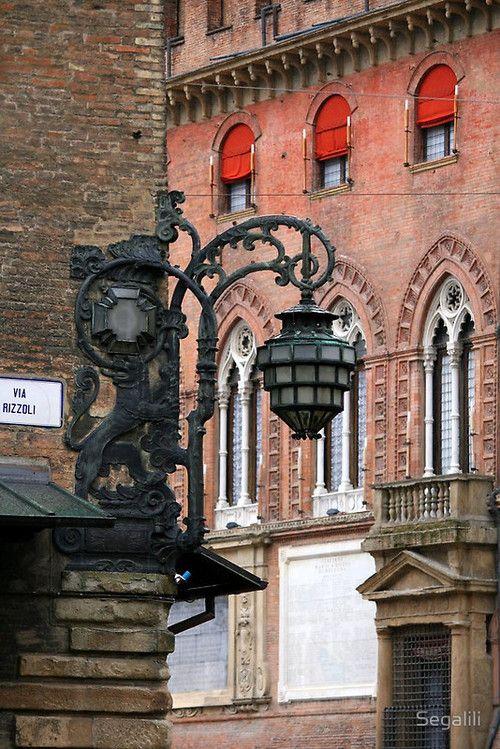 Italy  - Bologna - Piazza Maggiore Italy - Dintorni