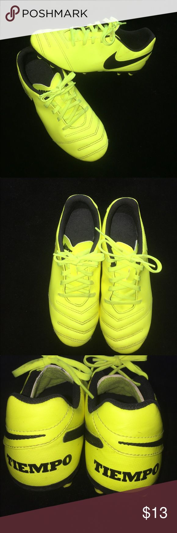 Boy's Cleats💛 Gently used! Lime green Nike Shoes Sneakers