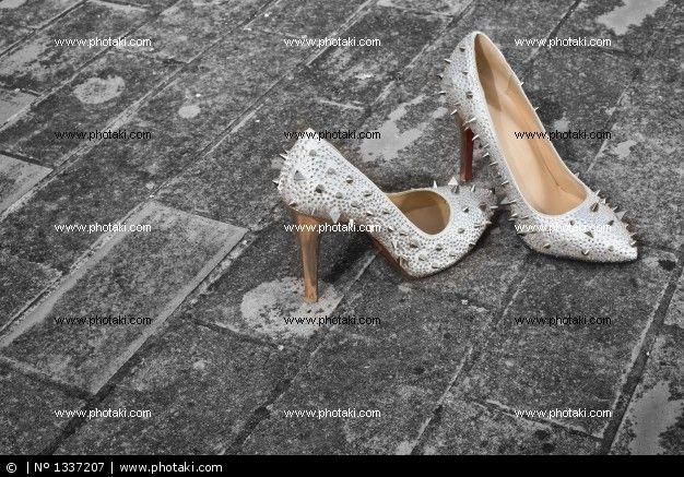 http://www.photaki.com/picture-rocky-shoes-girlfriend_1337207.htm