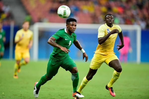 Imoh Ezekiel player of Nigeria competes for the ball with Pa Konate player of Sweden  during 2016 Summer Olympics match between Sweden and Nigeria at Arena Amazonia on August 7, 2016 in Manaus, Brazil.