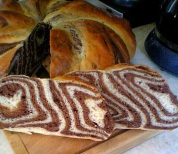 E.Margit oldala - kenyérsütés és minden, ami kelt tészta: gépi és sütőben sült kenyerek, kalácsok és péksütemények, receptek - G-Portál