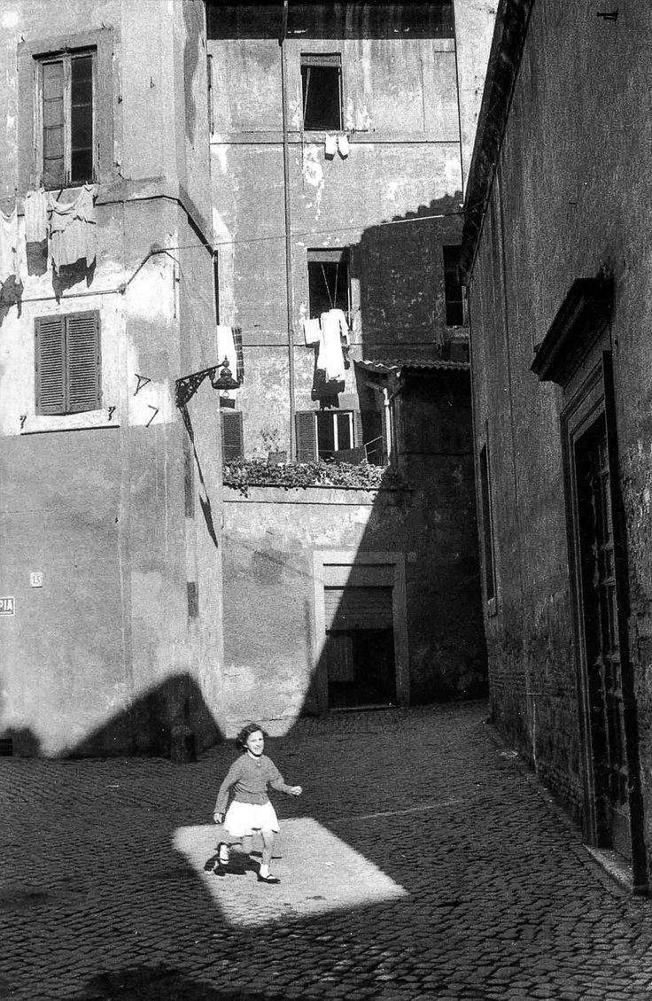 © Henri Cartier-Bresson - Roma, 1959 Talk about timing this picture!