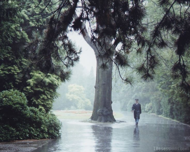 rain gives me the strength to move on...for no body can see me crying when i walk in the rain...