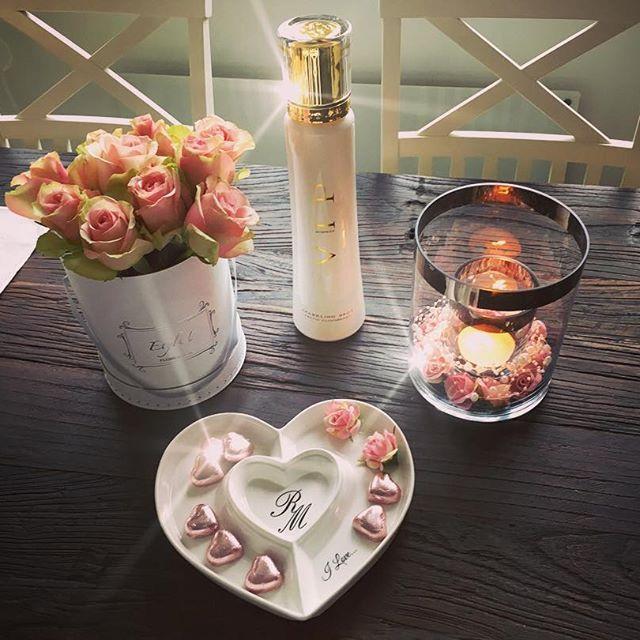 #rivieramaison #rivieramaisonnorge #rivieramaisonlovers #vinmonopolet #vip_norway_prosecco #interior #interior444 #interior4all #interiorstyle #decoration #deco #decorations #helg#rema1000 #paradisetinterior #sjokolade #nillenorge #nille #rosaroser #pinkroses #etylu #flowerbox #instalikes #interiordesign #inspirations #inspiration#passion4interior #classyhomes #finehjem #interior123 #