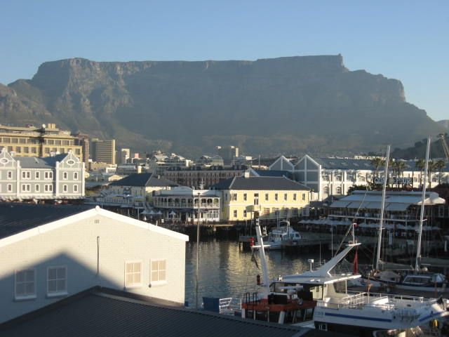 V&A - lovely view of Table Mountain  http://westerncapetravels.weebly.com/
