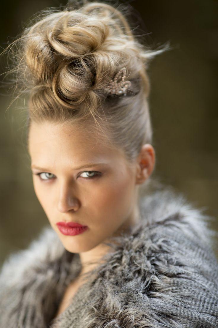 Ritorno agli anni '80 - Acconciatura di Alessia Solidani  #80's #capelli #acconciatura #moda #hair #hairstyle #hairstylist #fashion #model #solidani