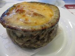 Better Than TGI Friday's French Onion Soup. Make this amazing recipe at home from CopyKat.com. #copykat.