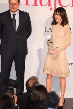 Premio Mujer Hoy , Moda. http://www.teresahelbig.com/