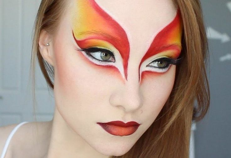maquillage Halloween sur le thème phoenix