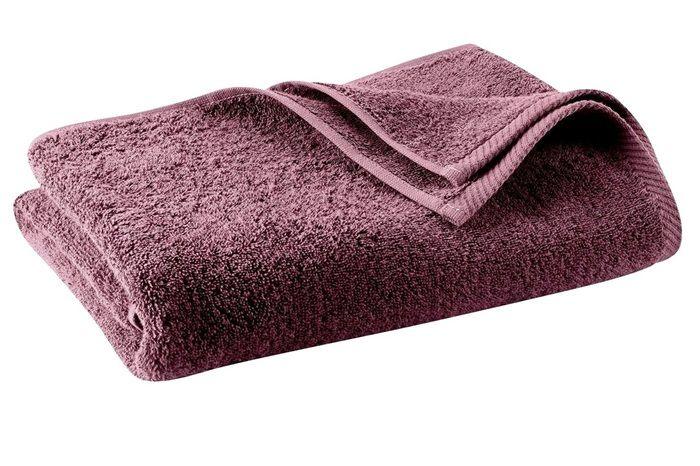 Badtextiel in een mooie rood-paarse tint, van 100% biologische katoenen badstof, van het merk Living Crafts. Het badtextiel is GOTS-gecertificeerd. Het is zacht voor de huid. Heerlijk voor thuis in bad of in de sauna.      Kwaliteit: 450 gr/m2    Verkrijgbaar in de volgende maten:    Washand 16x22 cm    Gastendoekje 30x50 cm    Handdoek 50x100 cm    Douchelaken 70x140 cm      Badmat: 50x70 cm, 840 gr/m2      Bij het verbouwen van de katoen en de kleuringen en bewerkingen die de stof…