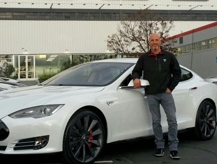 The FIRST owner of the new Tesla Model S  P85D told that this Tesla blew him away. (Dec. 2014)