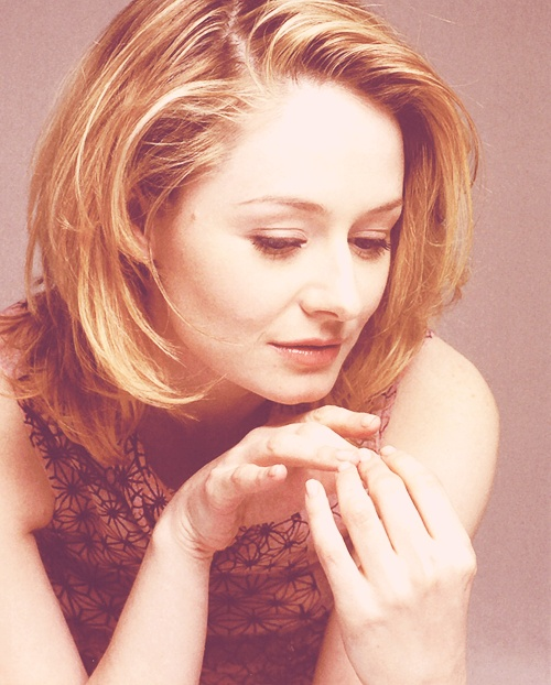 """Miranda Otto - known for her role as Eowyn. Beautiful lady and talented actress. She makes a stunning villain as well, guest starring in a """"Miss Fisher"""" episode."""