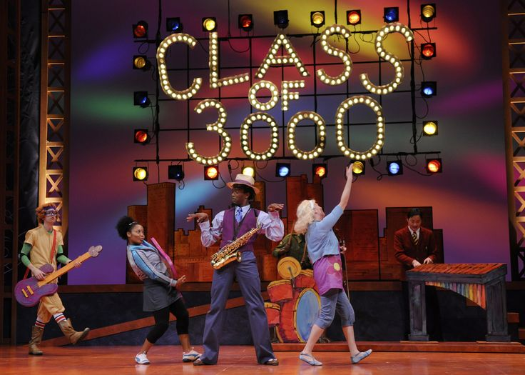 class of 3000 | ... (center) takes on Andr Benjamins Sunny Bridges in Class of 3000 LIVE