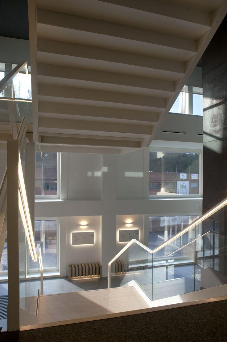 Las 25 mejores ideas sobre iluminaci n de la escalera en - Iluminacion de escaleras ...