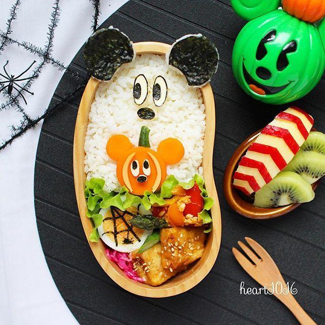 * おばけミッキー👻 * かぼちゃミッキーは ヨーグルトで漬けた人参のお漬物🎃 簡単に作れて美味しい!! * もいっこミニーもあるので連投します😊 コメント〆〆〆 * #キャラごはん #こどもごはん #朝ごはん #クッキングラム  #キャラ弁 #おうちごはん #おうちカフェ #いつものいただきますを楽しく #オベンタグラム #日本が元気になるご飯 #暮らしを楽しむ #幸せの食卓部 #女子弁 #顔弁 #デコ弁  #ママリ #locari_kitchen #obentopark #foodstyling #foodporn  #foodart  #charaben #japanesefood #onmytable  #LIN_stagrammer #IGersJP #cutefood #decofood #disney #おばけミッキー