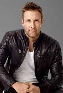 Michael Rosenbaum keeps it simple with this white tee and a black leather moto jacket. Watch Michael on IMPASTOR for more style inspiration. Discover full episodes at http://www.tvland.com/shows/impastor.