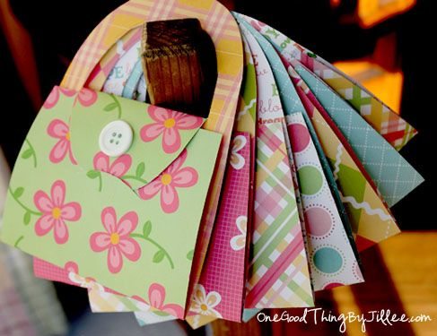 Simple DIY Notecard Purses...cute as a party invitation or just to send a note! Instructions included.
