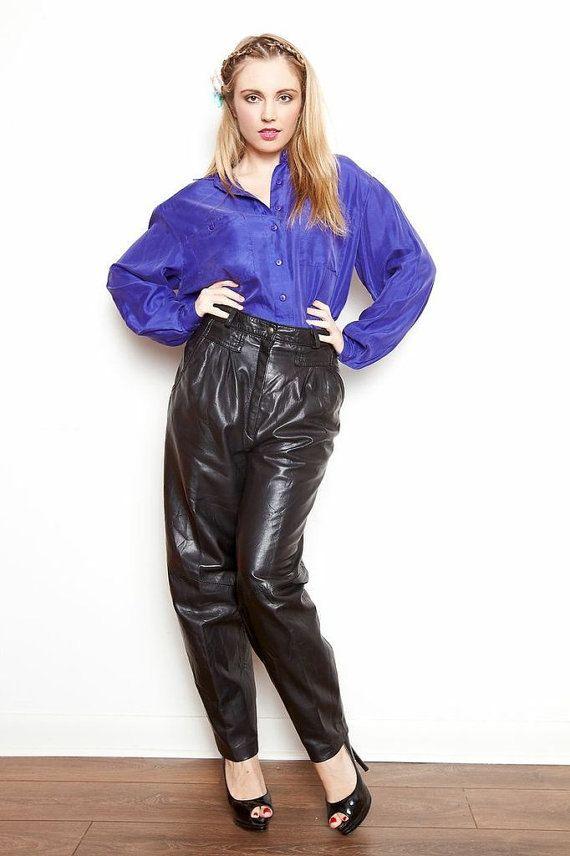 Pantalon taille haute de cuir noir Vintage par PINKCHIHUAHUAVINTAGE, $45.00