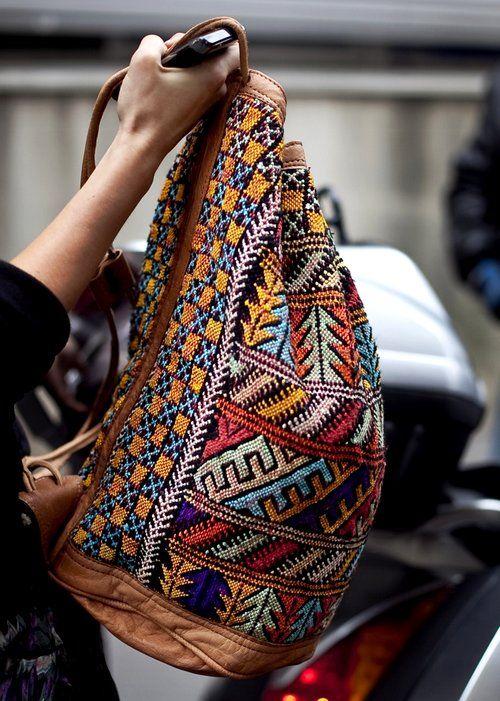 Gardrop Kedisi: Bohem Çantalar