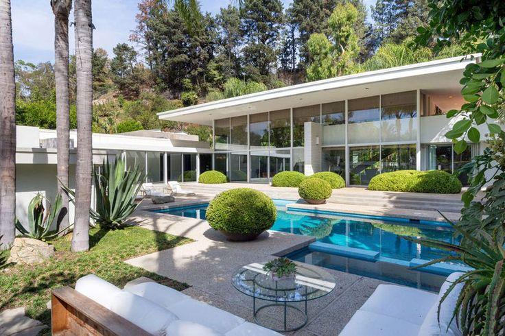 luxurious mid century modern home, by Robert Skinner