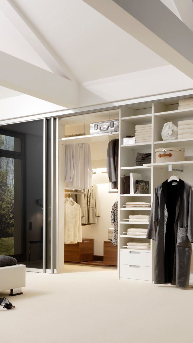 Begehbarer Kleiderschrank Mit Glasschiebeturen Begehbarer Schrank
