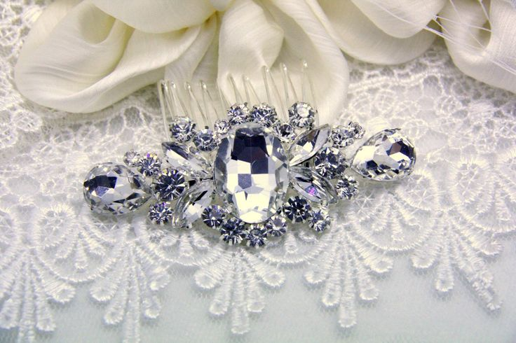 39.00$  Watch now - http://vintc.justgood.pw/vig/item.php?t=a0igmw1950 - Sparkle Brillance Glam Crystal Pearl Bridal hair comb , wedding hair accessory v 39.00$