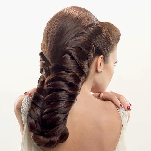 És egy hosszú fonott haj, hogy lássátok, nem csak világos hajból mutat gyönyörűen! Tetszik?
