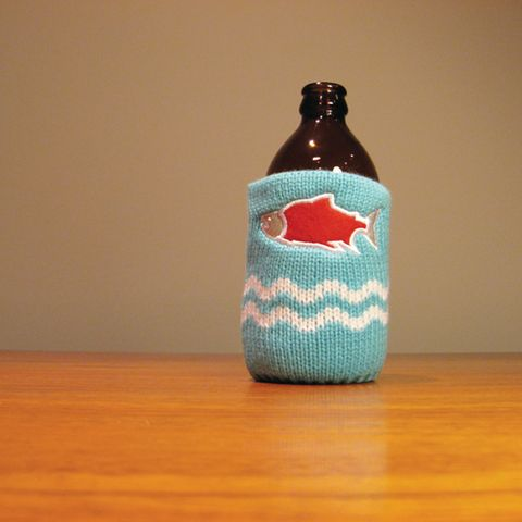 The Drink Toque - West Coast Wild Salmon  Classic, vintage-style, knit koozie. Iconically Canadian.