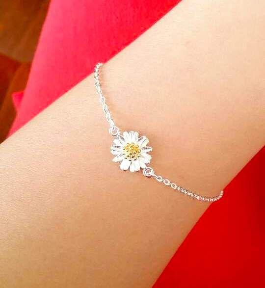 Elegant Daisy Flower Bracelets, 925 Sterling Silver, floral dainty jewelry, Delicate, bridesmaids gifts, wedding jewelry, silver bracelets