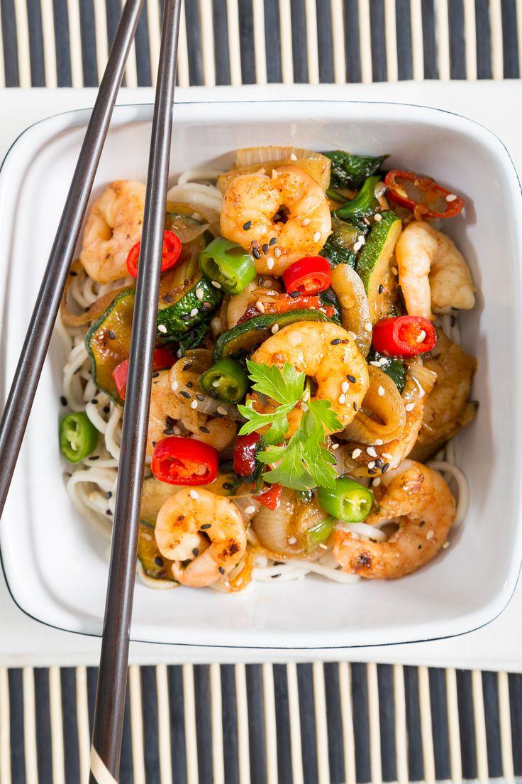 Prawn Stir-Fry with Rice Noodles l Honest Mum food blogger