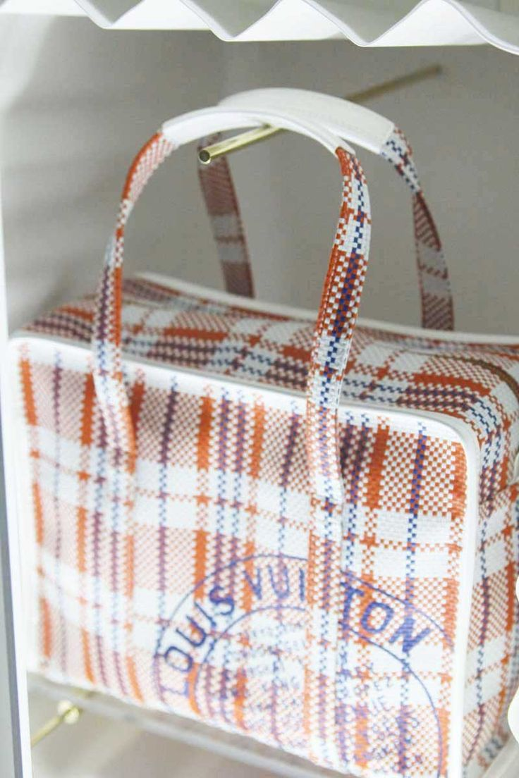 LV via StyleBubble: Latest Lv, Popup, Online Outlets, Branding Handbags, Louis Vuitton Handbags, Handbags Online, Lv Handbags