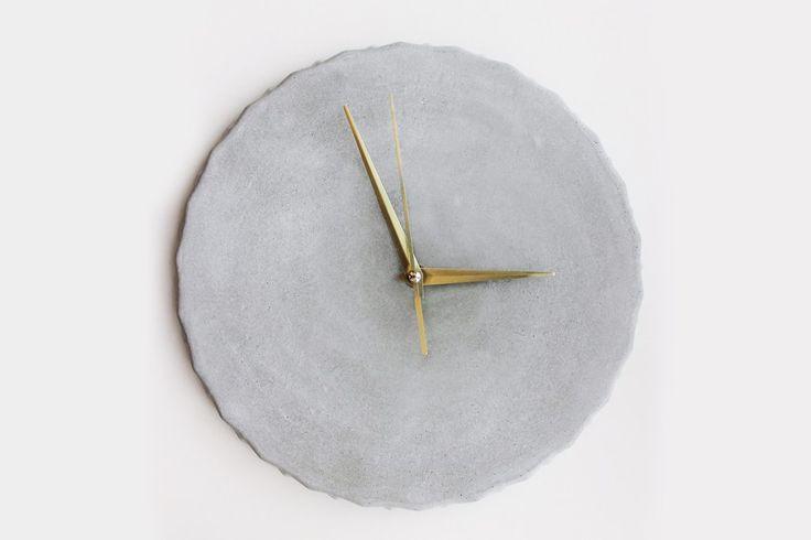 Edgy Concrete Clock