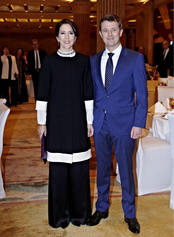 Mary och Frederik på uppdrag i Saudiarabien   Svensk Damtidning