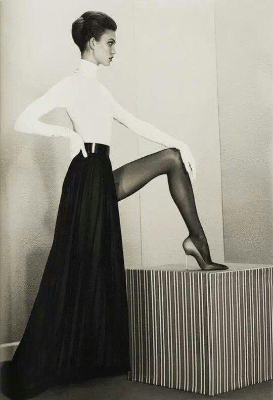 Karlie Kloss by Roe Ethridge MAISON MARTIN MARGIELA fall 2012