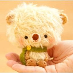 The cutest handmade bears you will ever see. Definitely buying for Belah... or me:)
