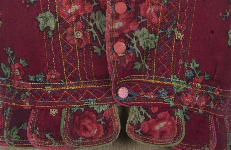 Fragment gorsetu łemkowskiego, Muzeum — Dwory Karwacjanów i Gładyszów / Detail of Lemko corset, The Karwacjan and Gładysz Family Manors Museum