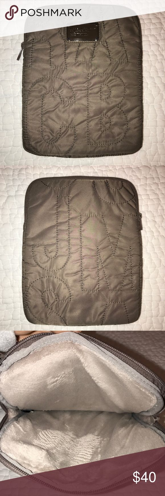 Marc Jacobs Pretty Nylon iPad Case Stylish and protective iPad case. In great condition - like new! Offers welcome. Marc Jacobs Accessories Tablet Cases