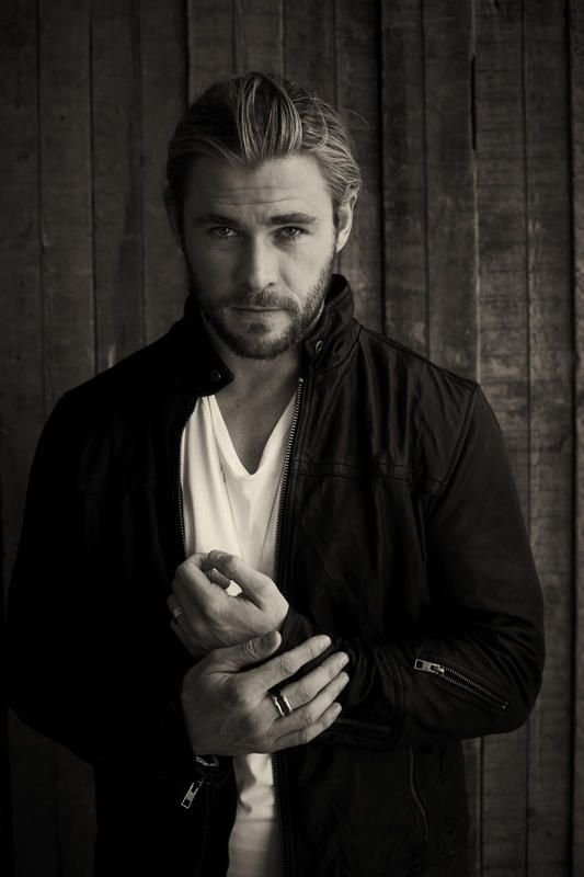 Chris Hemsworth---- I seriously have no words to express how stunning this man is!