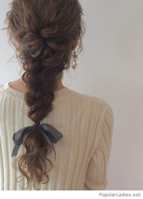 in summer would you like a  hair braid which is so cute like this??? if you are with short hair,  you can have a try on hair extensions and then possess this hair braid