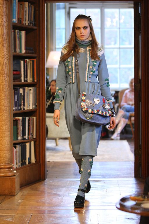 Chanel Métiers d'art 2015 #ChanelMetiersd'art #ChanelParisSalzburg Visit espritdegabrielle.com   L'héritage de Coco Chanel #espritdegabrielle