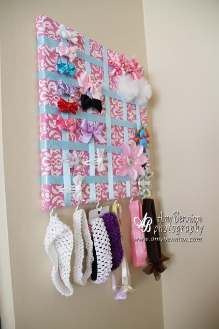 bow/headband/clip holder would be perfect to have instead of throwing bows into a drawer. I want to make this for my daughter's room!