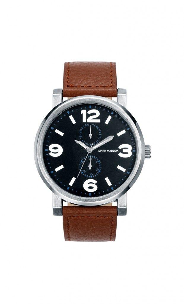 Únete a un look totalmente diferente y con mucha elegancia. Reloj multifunción con correa marrón y esfera negra/azul. Cierre de hebilla. Cristal mineral. Impermeable 30m (3ATM).