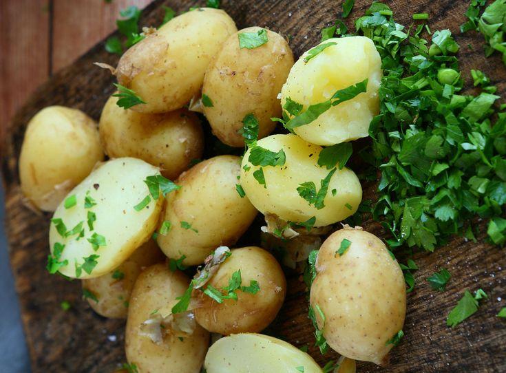 Így biztosan tökéletes lesz a petrezselymes krumpli! Ráadásul villámgyorsan elkészül.