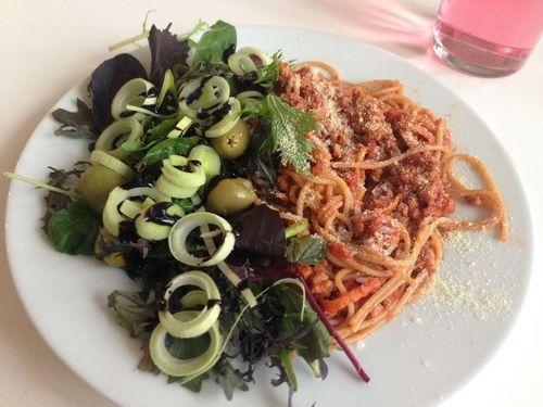 Middagtips: Enkelt og grei spagettisaus med masse grønnsaker :) (Rusa på livet!!!)