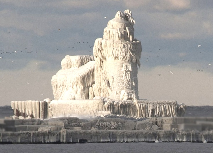 Lake Erie frozen lighthouse    http://www.roanokemyhomesweethome.com