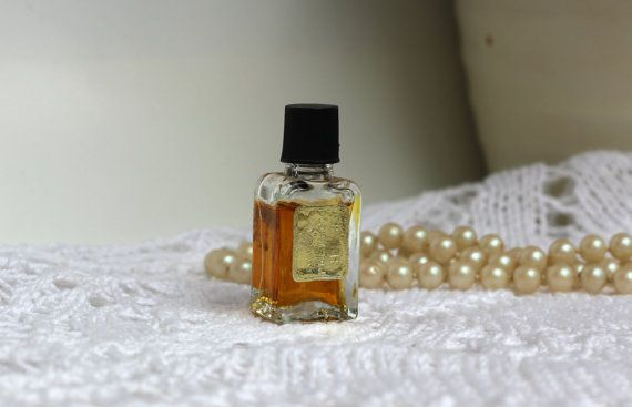 Vintage Perfume Rīdziniece Rizhanka by Dzintars by RamonaStore