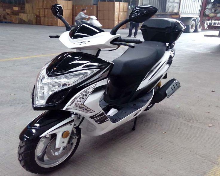 """NEW!! Gas Scooter 150 Light Weight Body Design GY6 Honda Clone Engine - 4-Stroke Single Cylinder - Air Cooled - Clutch Automatic - 13"""" Aluminum Rims - High Focus Center Headlight"""