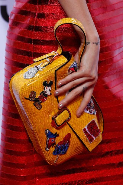 Tasche mit glitzernder Mickey Mouse von Marc Jacobs, Herbst/Winter 2016