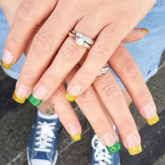loving my new Green Bay Packers nails ♥♡♥