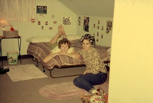 A 1960s teenager s bedroom teenage for Small room 5 1 or 7 1
